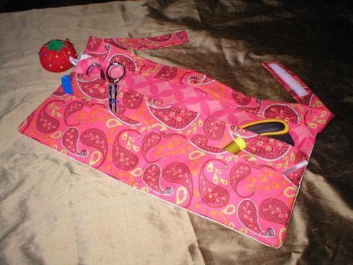 seamstress-apron-pink-s.JPG